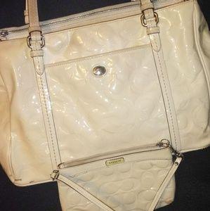 Coach Bags - Coach Peyton Patent Leather Op Art Tote & Wristlet
